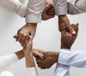 Colaboración y cooperación mejoran tu salud mental